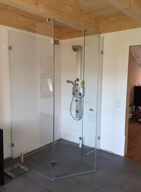 Rahmenlose Glasdusche der Glaserei Nolting GmbH
