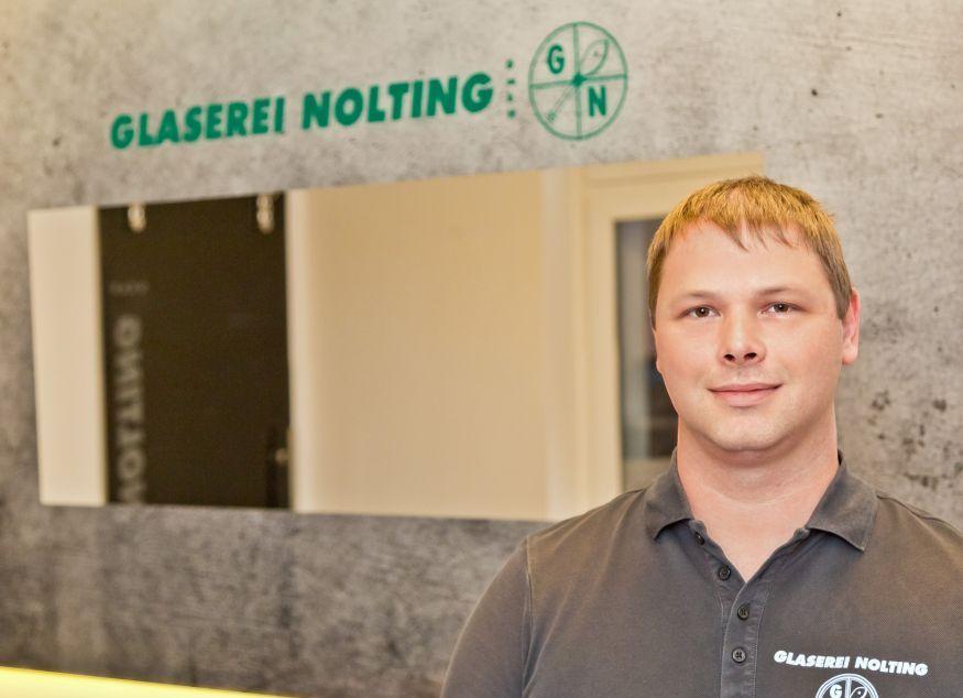 Jean-Patrick Schleifer - Facharbeiter, Glasergeselle Kundenberatung + Montage Unser Fachmann für Ganzglassysteme