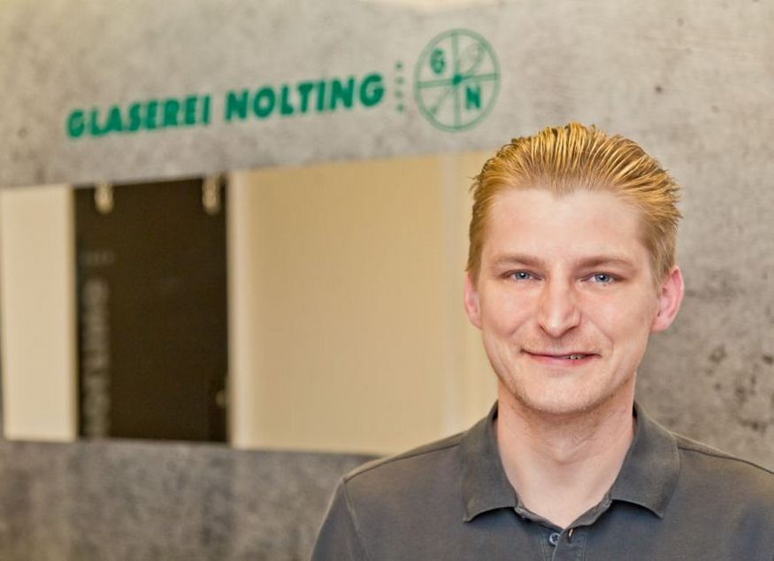 Marek Sowa - Facharbeiter, Glasergeselle Kundenberatung + Montage Unser Fachmann für Ganzglassysteme + Reparaturen