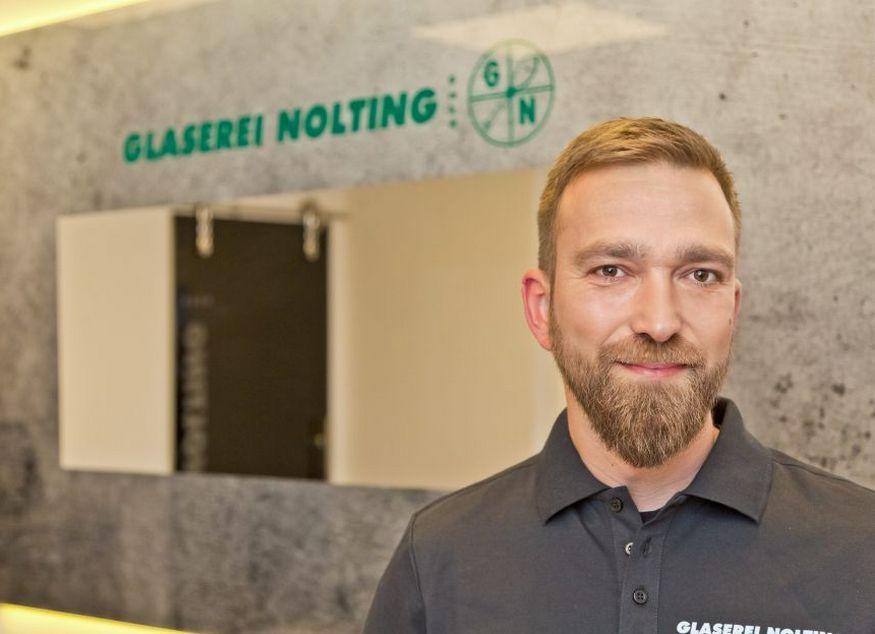Sven Köhler - Facharbeiter, Glasergeselle Kundenberatung + Montage. Unser Fachmann für Ganzglassysteme + Reparaturen