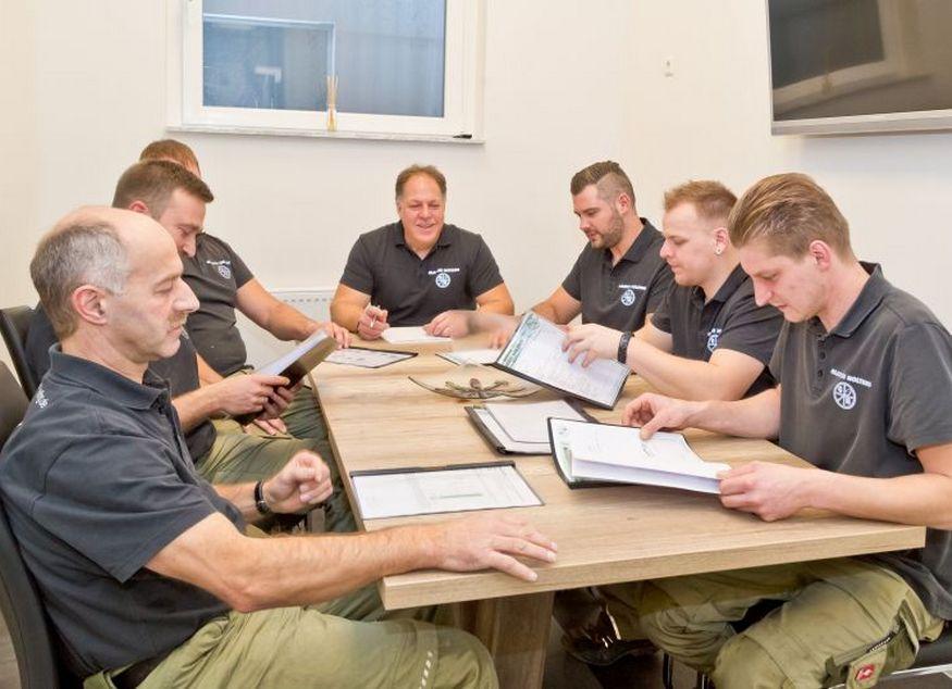 Auch interne Weiterbildung und Qualifizierung wird bei der Glaserei Nolting in Hannover großgeschrieben...